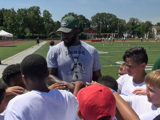 636650254390778413-Edison-Scoop-Score-football-camp-Mo-Wilkerson.jpg