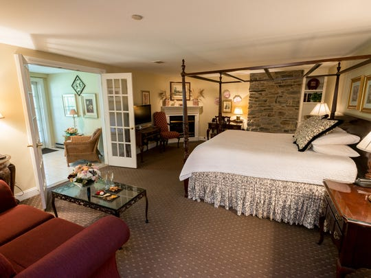 In the 26 individually-decorated guest rooms and suites at the Lambertville House Hotel are romantic amenities such as jetted tubs, complimentary plush bathrobes and gas fireplaces.