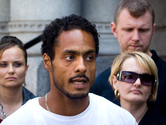 Chaunte Ott and his lawyers held a press conference on the steps of the Federal Court House on September 10, 2009.  Ott is filing suit against Milwaukee Police for allegedly framing him for a murder allegedly committed by suspected serial killer Walter E. Ellis.
