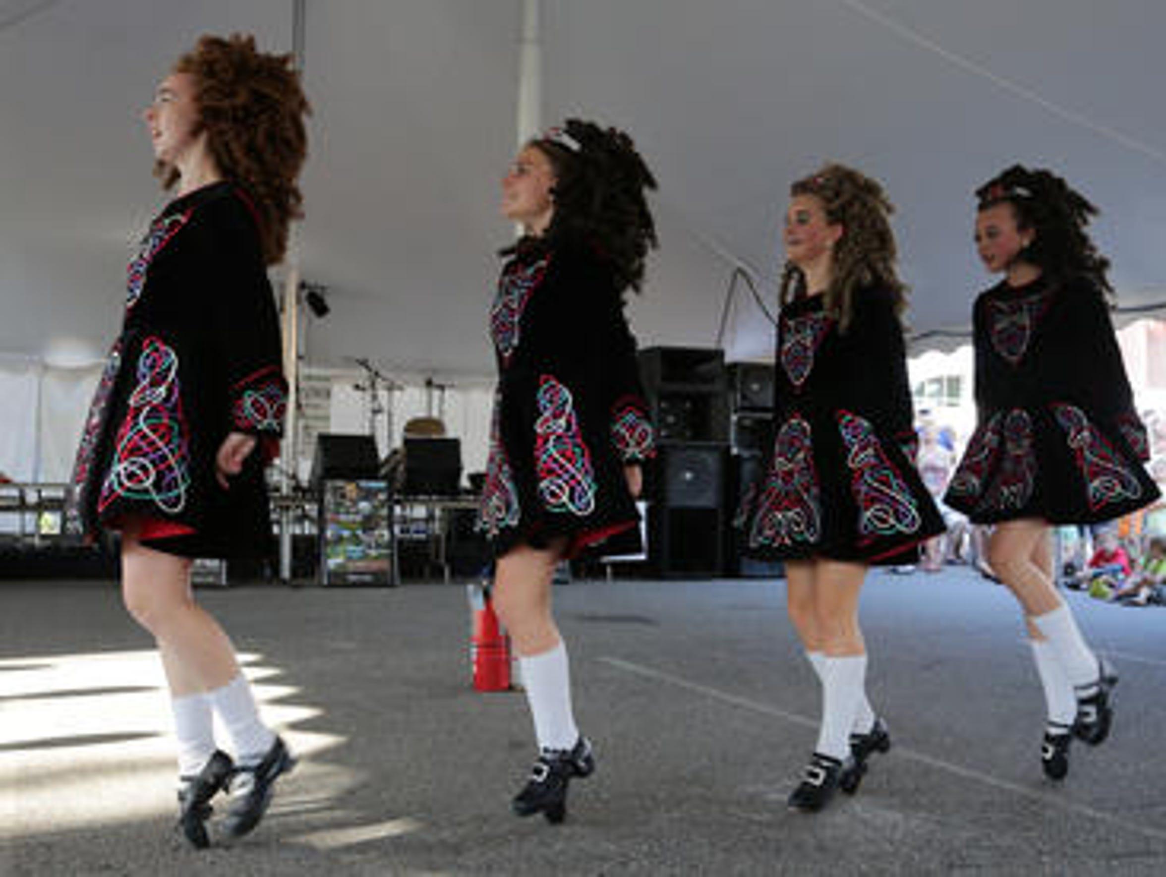 Dancers from the Rince na Chroi School of Irish Dance