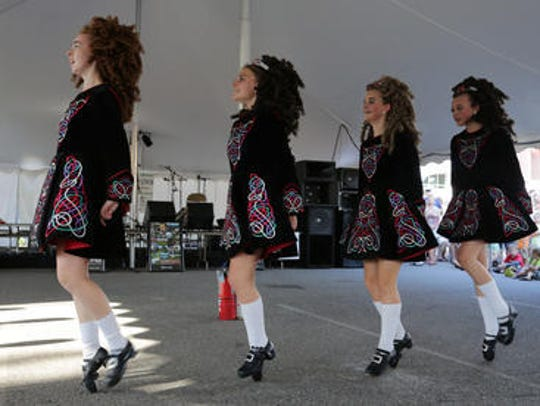 Dancers from the Rince na Chroi School of Irish Dance