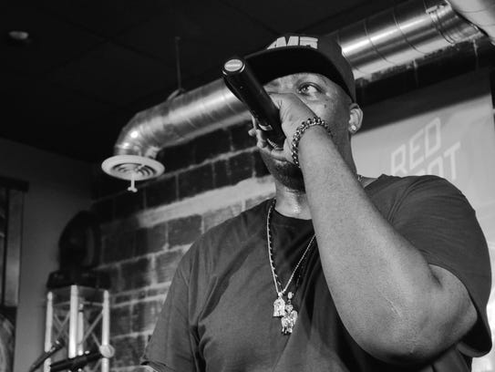 EPMD performs during Lampapalooza 2016.