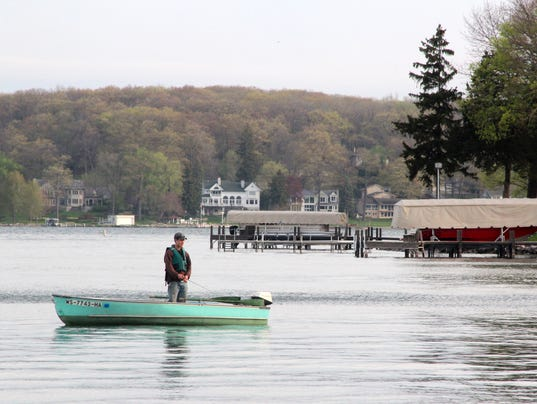 Conservation groups urge increases in license fees for Wisconsin fishing license