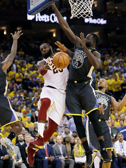 NBA_Finals_Cavaliers_Warriors_Basketball_82872.jpg