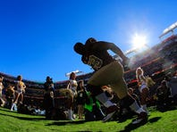 LANDOVER, MD - NOVEMBER 03:  London Fletcher #59 of the Washington Redskins is introduced before the start of the Redskins and San Diego Chargers game at FedExField on November 3, 2013 in Landover, Maryland.  (Photo by Rob Carr/Getty Images) *** Local Caption *** London Fletcher