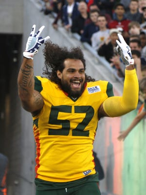 Hotshots' Carl Bradford comes onto the field to play the Stallions during the first half of an AAF at Sun Devil Stadium in Tempe, Ariz. on February 10, 2019.