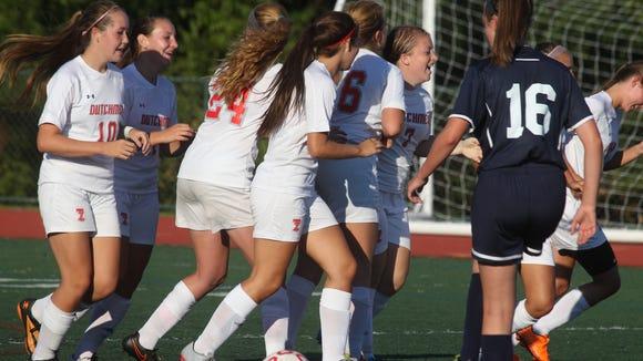 Tappan Zee soccer beat Eastchester 1-0 at Tappan Zee