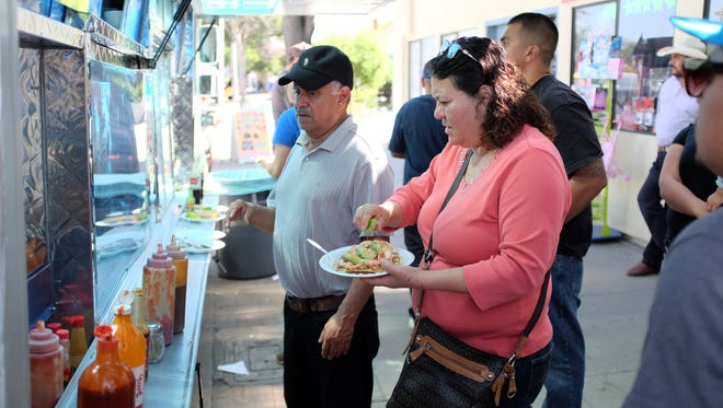 Customers love El Compita's fresh seafood. The truck can be found near Madeira and E. Alisal St in Salinas.