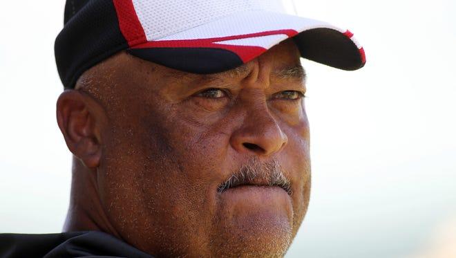 Titans offensive coordinator Terry Robiskie.