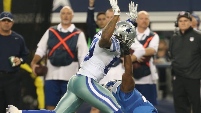 Dallas Cowboys linebacker Anthony Hitchens initially was flagged for pass interference on Lions tight end Brandon Pettigrew on this play during a Jan. 4 playoff game, but the penalty was waived off.