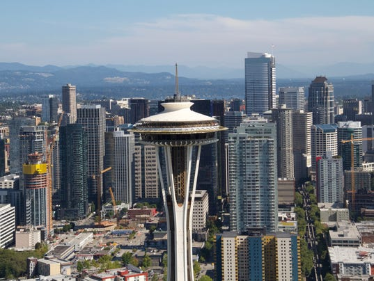 636585453468248679-04-AA-SEATTLE-24-closeup-of-the-observation-deck-of-the-Space-Needle-looking-south.jpg