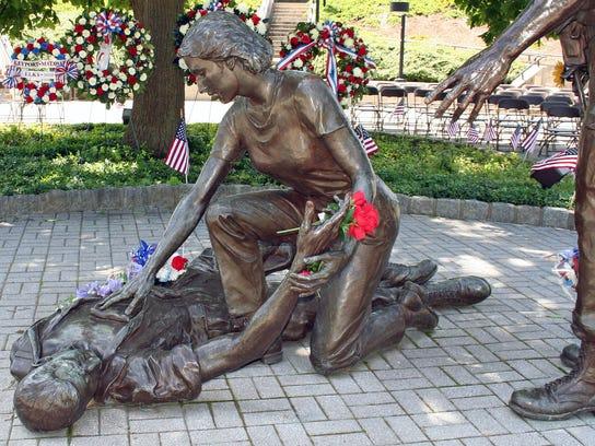 holmdel memorial2.jpg