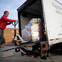 Oshkosh Northwestern editor: Help battle hunger by donating to Stock the Shelves