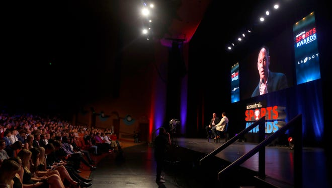 Luis Gonzalez speaks to the people in attendance at ASU Gammage for azcentral Sports Awards in Tempe, Ariz. on June 10, 2018. #azcsa