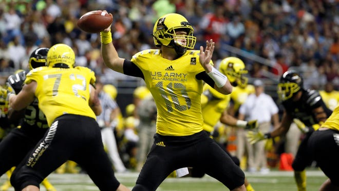 West quarterback Kyle Allen (10) throws a pass during U.S. Army All-American Bowl high school football game at the Alamodome.