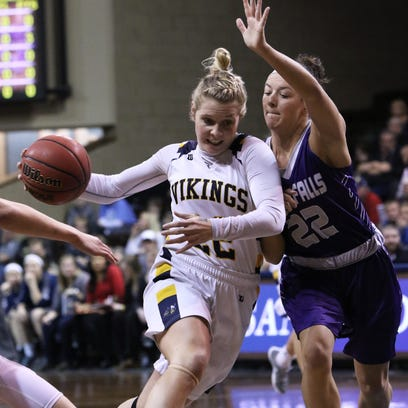 Augustana soars past USF to reach NSIC tournament championship
