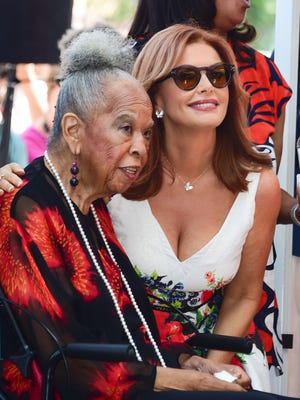 """Della Reese and Roma Downey attend Downey's star presentation ceremony in 2016 on the Hollywood Walk of Fame in Hollywood. Reese and Downey starred in the wildly popular  """"Touched By an Angel"""" on CBS."""