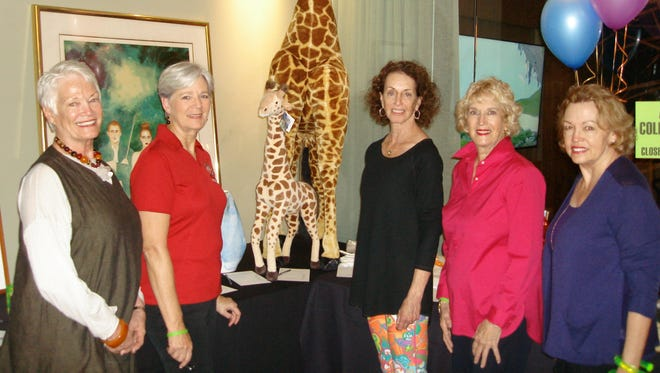 (left to right) Scholars Charity Classic Silent Auction Committee - Carrie Bie, Kit Anamosa, Scholars Charity Classic Chair Marlene O'Sullivan, Ginger Bennington, and Peggy Propper.