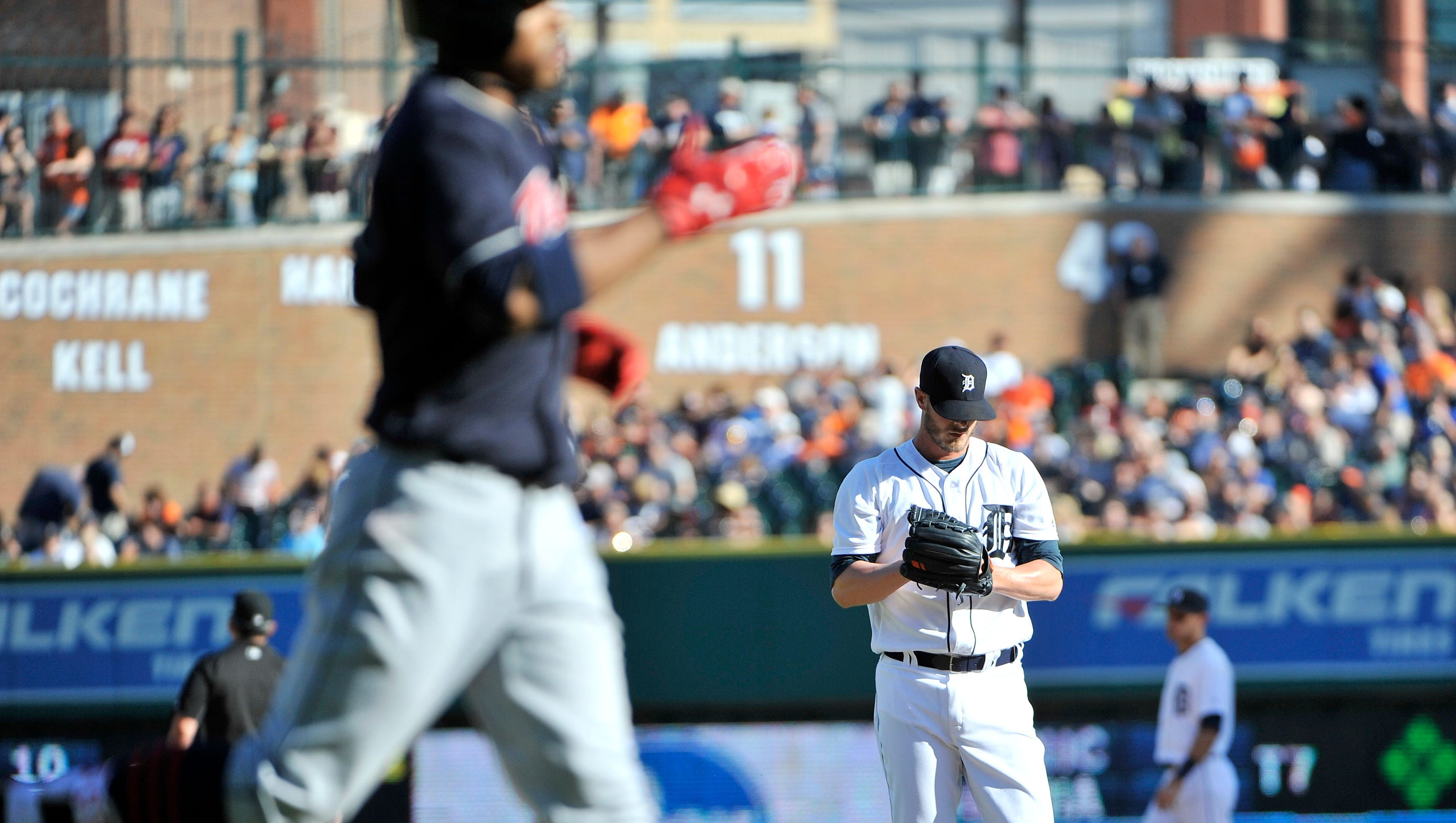 636024773183165243-2016-0625-rb-tigers-indians513