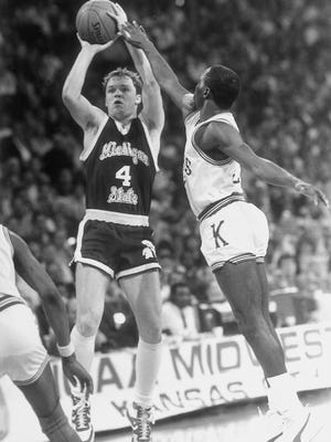 Scott Skiles averaged 27.4 points per game in 1985-86, leading MSU to the Sweet 16, where it lost to Kansas controversially, a stalled clock partly to blame.