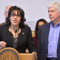 Snyder meets with Weaver, defends water credit cutoff