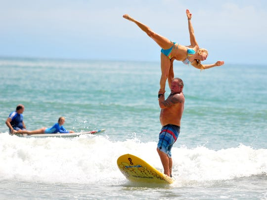 Bear Woznick and Cindy Davis put on a tandem show at the 32nd edition of the NKF Rich Salick Pro/A. Surf Festival.