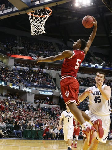 Indiana Hoosiers forward Troy Williams (5) dunks against
