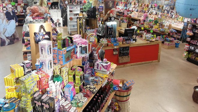 Rocket Fizz Scottsdaleshop boasts more than 1,200 types of candies, 400-plus soda pop flavors, and specializes in nostalgic candy, those caloric snacks that were popular in the 1960s, 70s, and 80s. Offerings include Kosher candies, too.