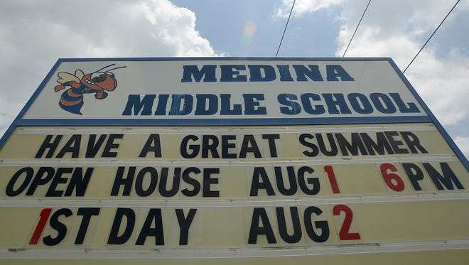 Medina Middle School could become South Gibson County Middle School when the Gibson County Special School District Board meets Thursday.