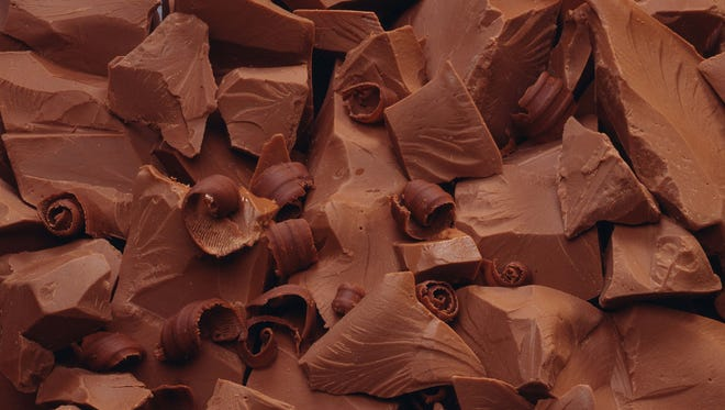 Chocolate chunks and shavings