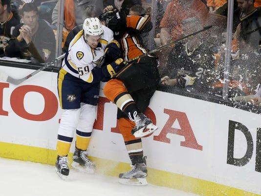 635963626117301649-Predators-Ducks-Hockey.jpg