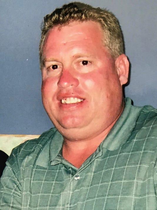 Former Naples news editor Tom Hanson died at 53 in Sebring