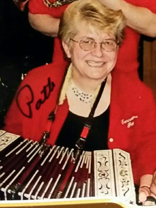 636178371525458341-Patricia-Wolfe-on-the-accordian.jpg