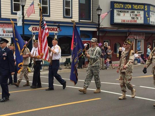 IMG_slh_parade_flags.jpg_1_1_3OAT19A6.jpg_20150528.jpg