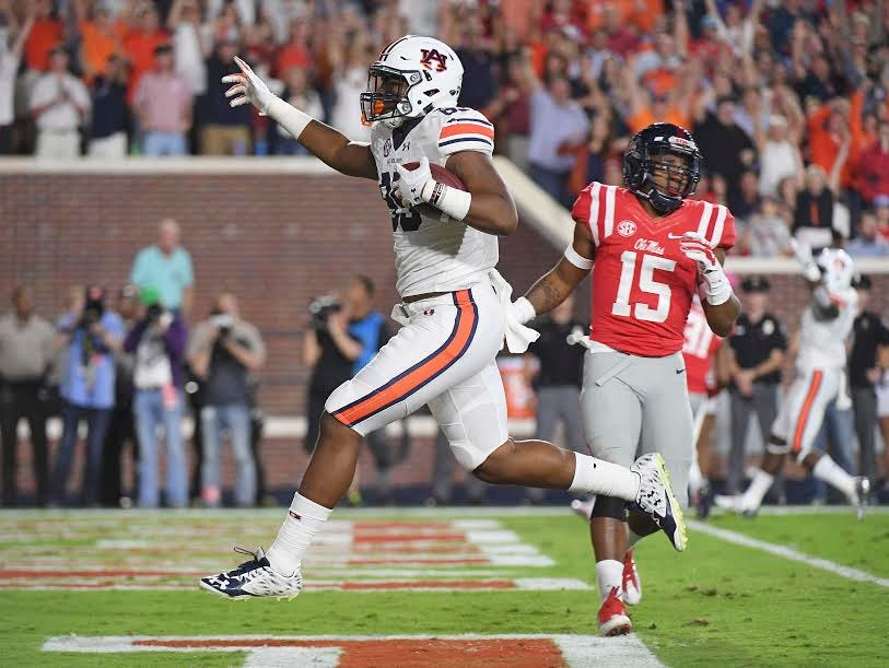 Auburn tight end Jalen Harris catches a touchdown pass in his first career reception.