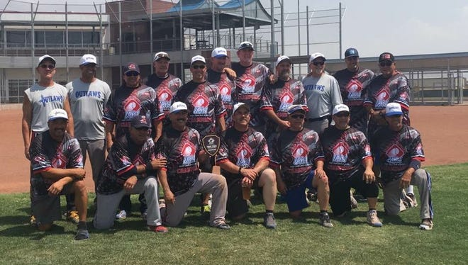 SW Outlaws, a local Senior Softball team out of Las Cruces won the 55 AAA Division of the 2017 Texas State Championships held in El Paso over the weekend.