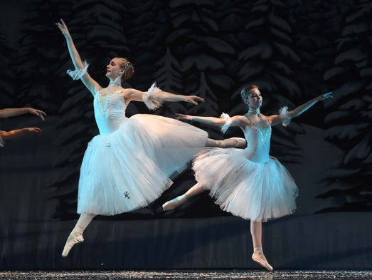Images of a dress rehearsal of A.V.A. Ballet Theatre's