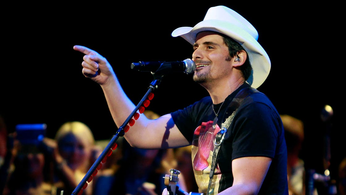 Who Is On Tour With Brad Paisley