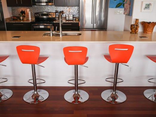 Bar Sty E Kitchen Table