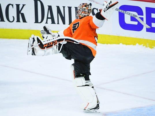 USP NHL: BOSTON BRUINS AT PHILADELPHIA FLYERS S HKN USA PA