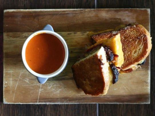 El sándwich artesanal de queso a la parrilla en Kitchen