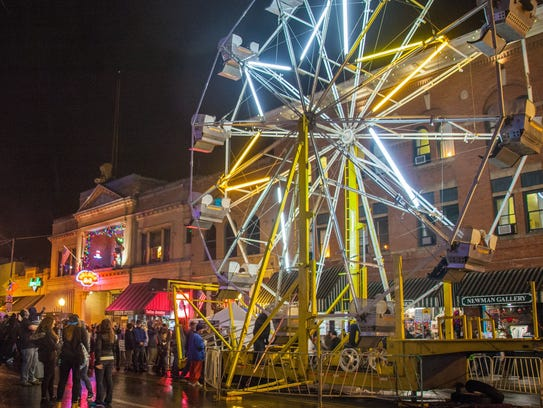 Downtown Prescott lights up on New Year's Eve as thousands