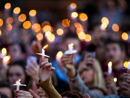 Florida State Students Hold Vigil After Campus Shootings