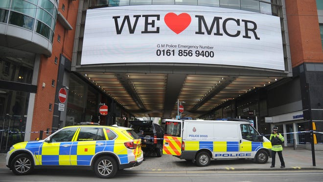 Police evacuate Arndale shopping center in Manchester, England, on May 23, 2017, a day after an apparent suicide bomber attacked an Ariana Grande concert as it ended.