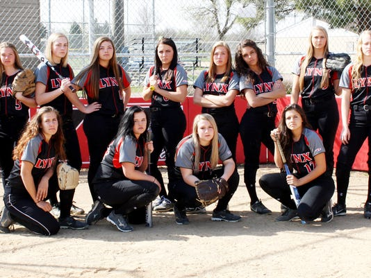 2015 varsity spring softball team.jpg