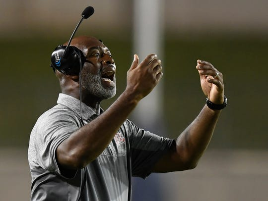 Lee coach Tyrone Rogers against Park Crossing at Cramton