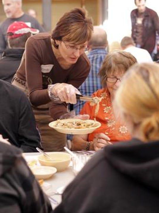 636154231848836024-community-thanksgiving-dinner.jpg