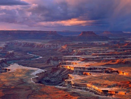 636247487133589675-Canyonlands-from-Green-River-Overlook-Tom-Till.jpg