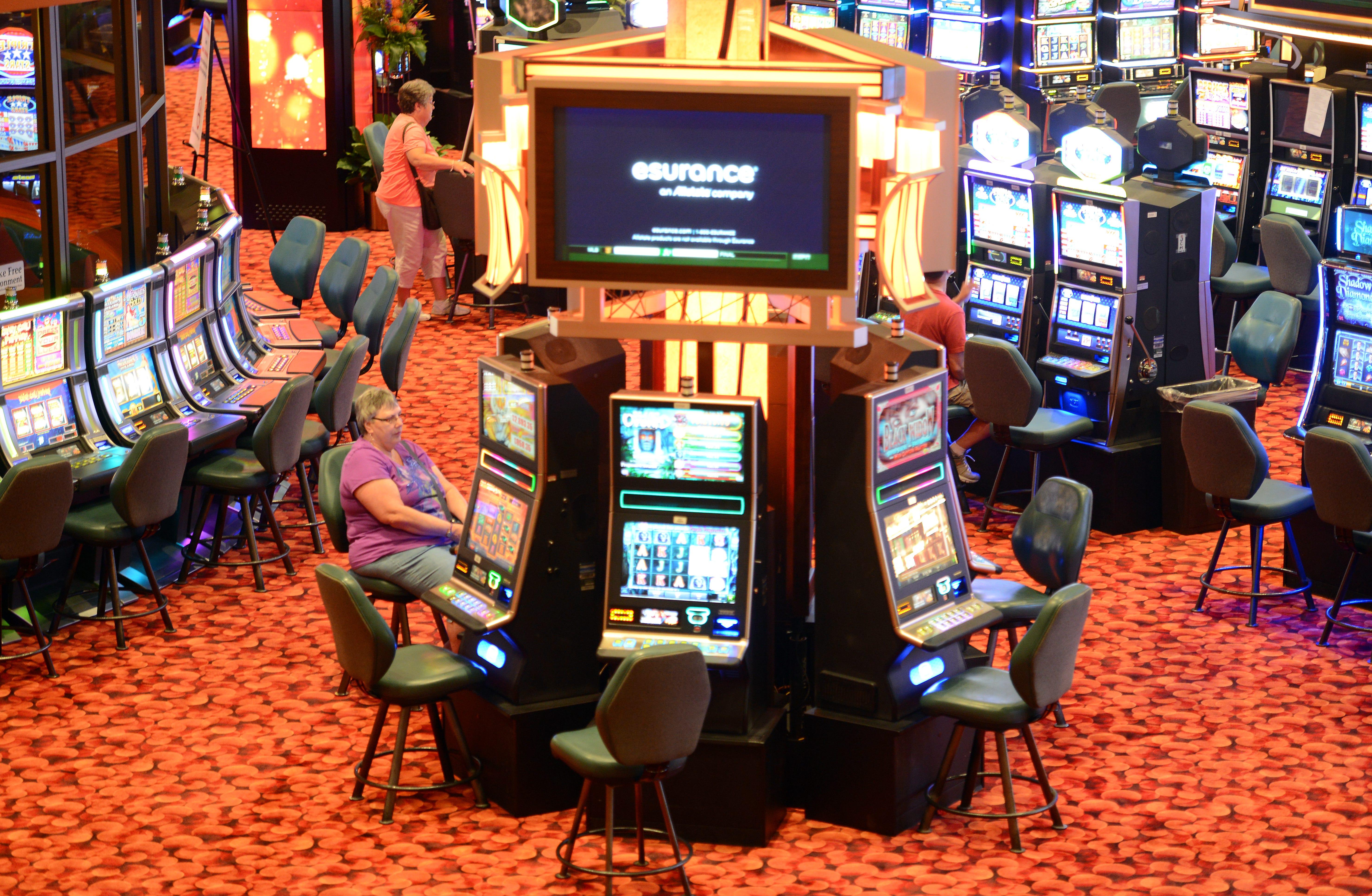 Oneida casino poker room number carlyle hotel gambling