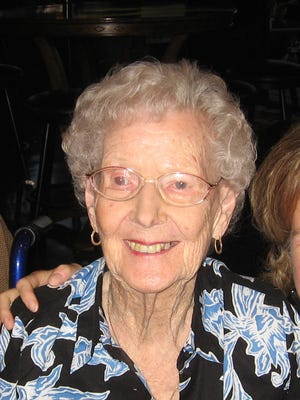 (Mary) Virginia Hardin Yocum went to be with her Lord on February 14, 2015.